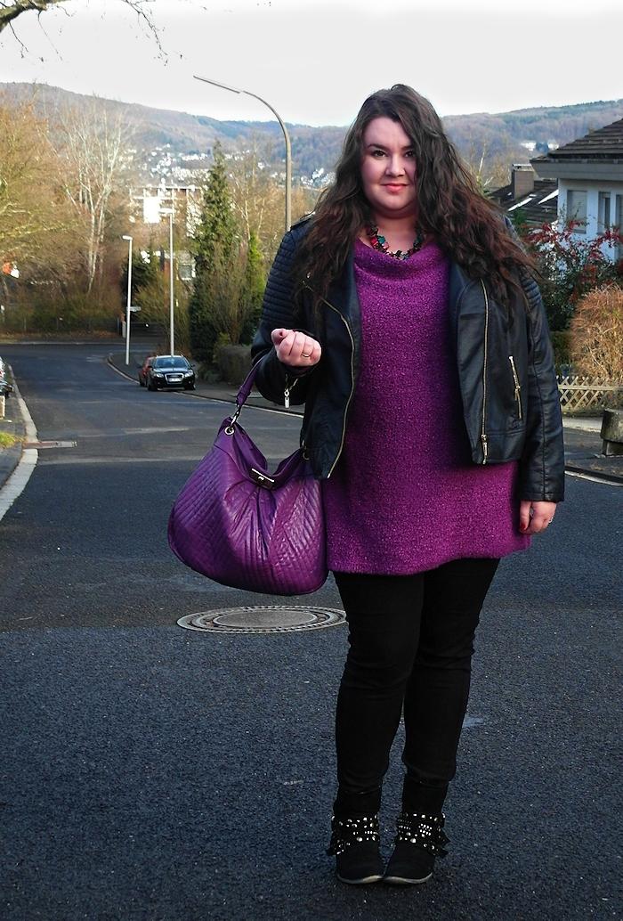 631: Violet fluffy pullover