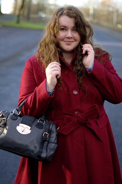 Große Größen Plus Size Fashion Blog Missguided Leopard skirt burgundy coat new look inspire