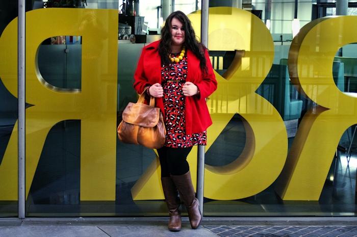 Große Größen Plus Size Fashion Blog asos curve red panther leo dress