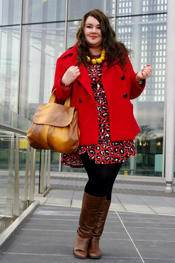 Große Größen Plus Size Fashion Blog asos curve red panther leo dress