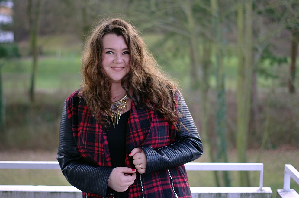 Große Größen Plus Size Fashion Blog missguided plaid jacket