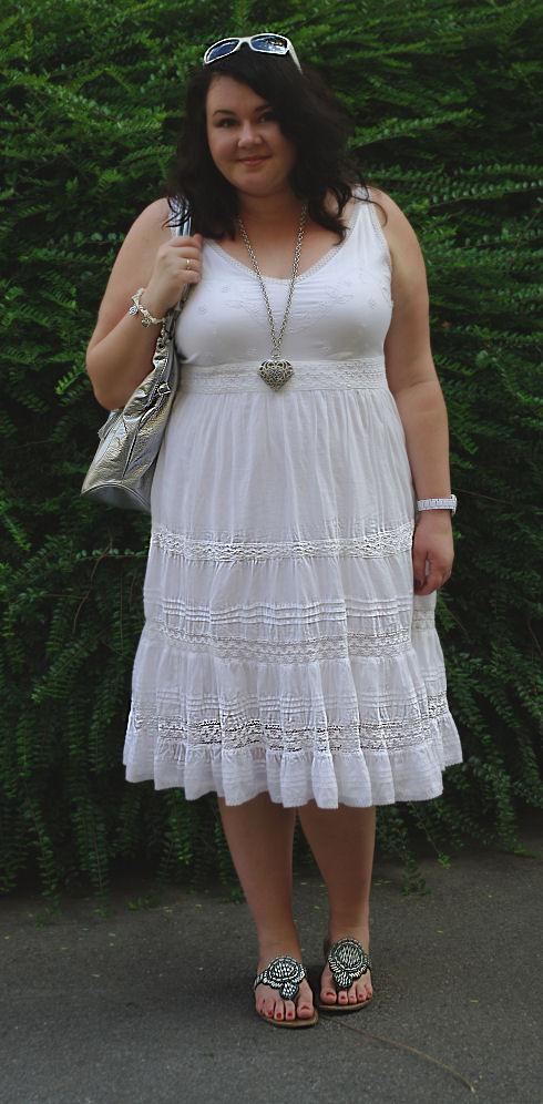 Biała sukienka / Weisses Kleid