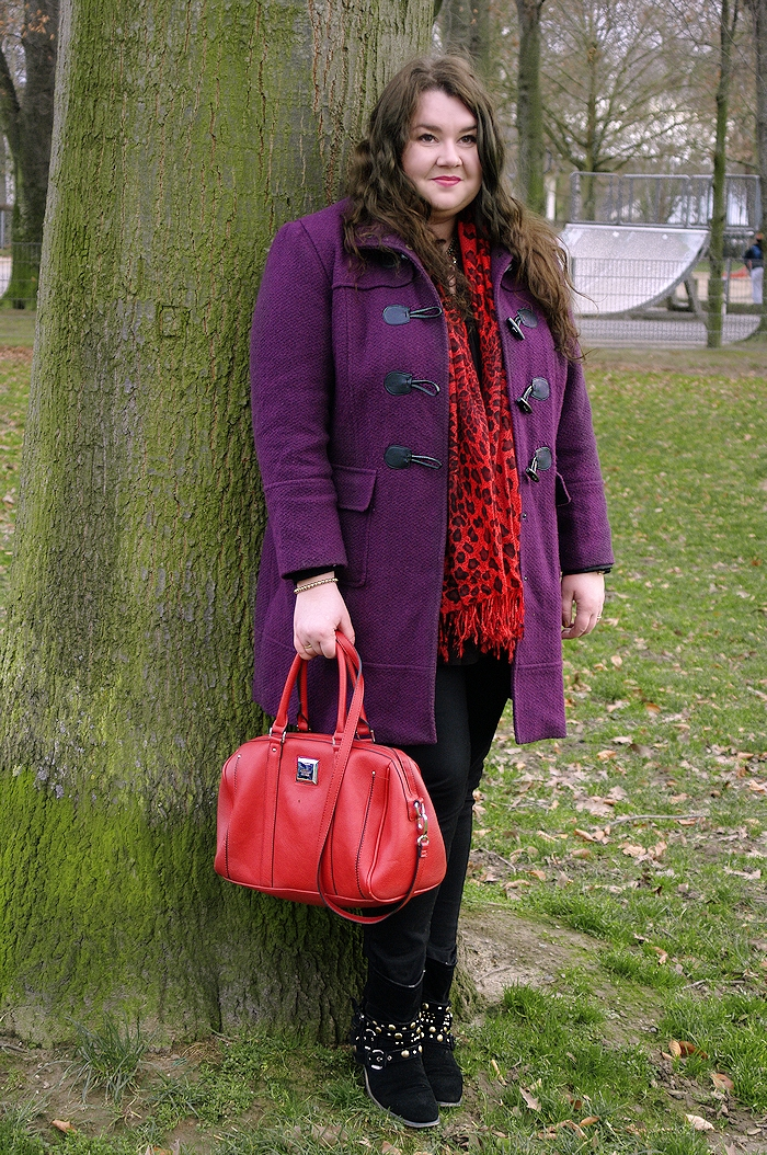 628: Violet with red
