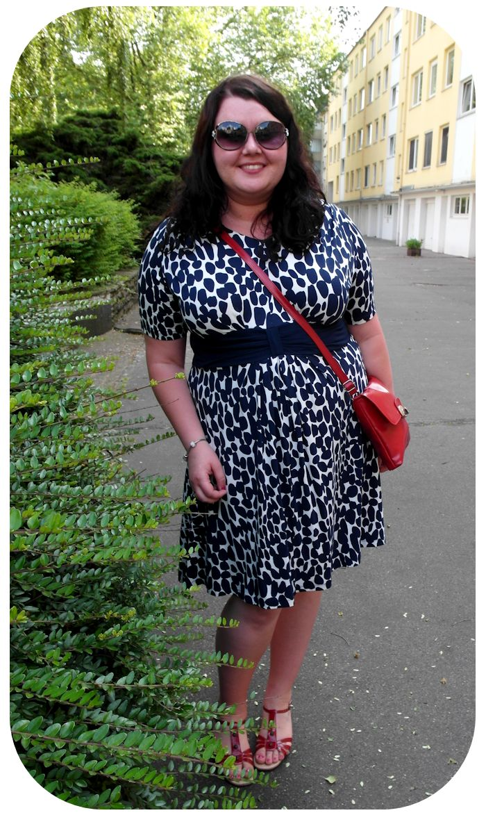 Ciapkowana sukienka / Kleid mit Flecken :)