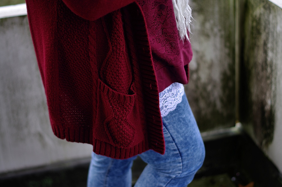 Lace, burgundy and my simple trick