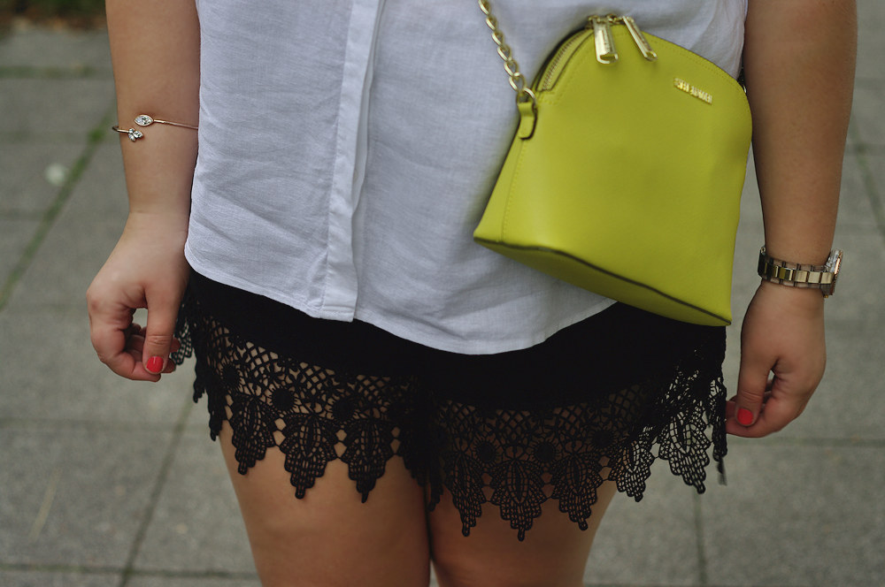 Lace plus size shorts