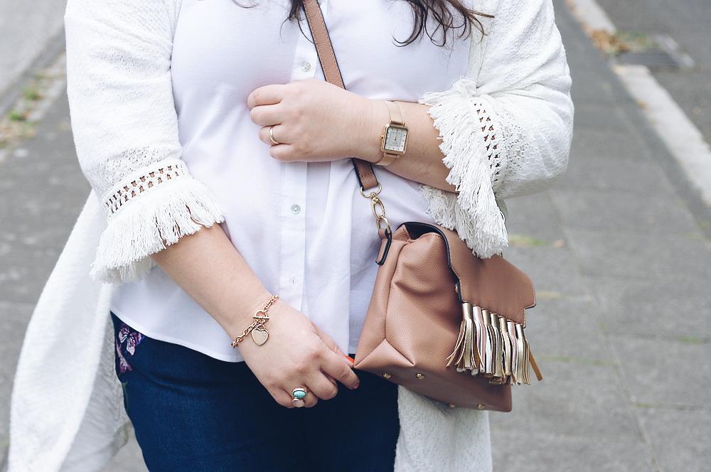 Die klassische weiße Bluse in Plus Size